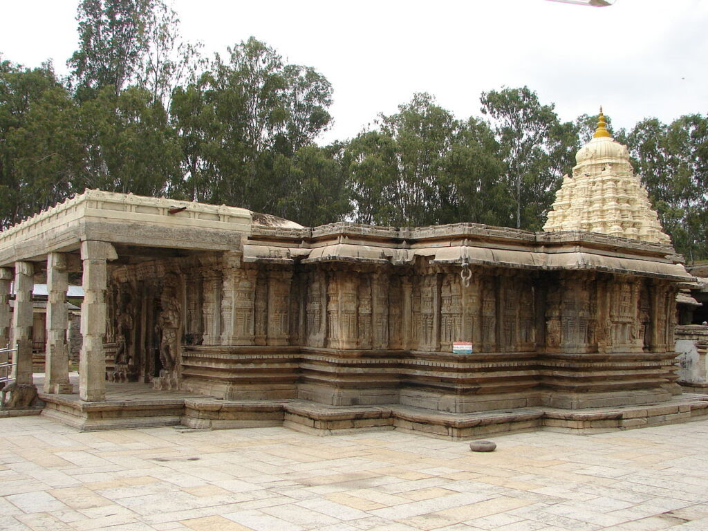 Vaidyeshvara-Temple-at-Talakad